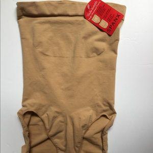 "SPANX ""Undie-tectable"" Shapewear Panty M NWT"
